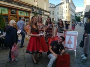 beim Mondschein-Shopping in Baden