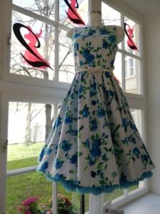 Blaues Rosenkleid Gr.36+38